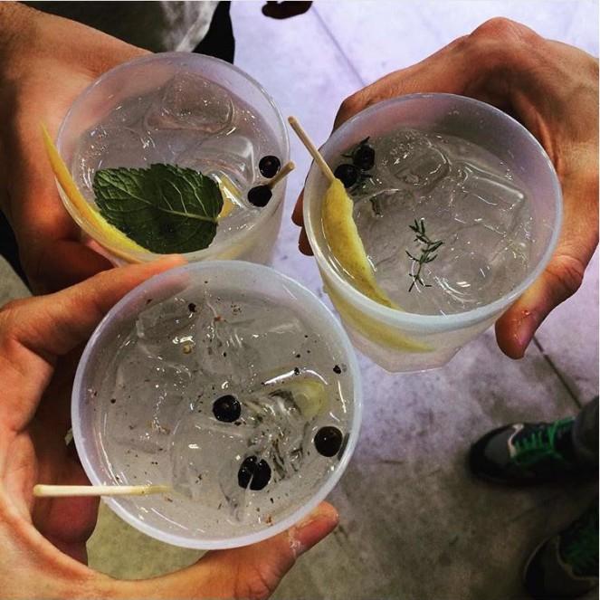 Gin012